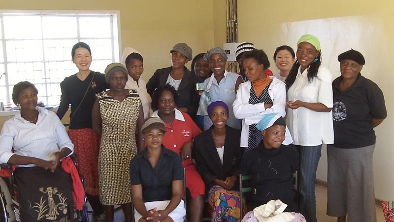 モクビロ村で開催した、ハンドソーイングの短期ワークショップで