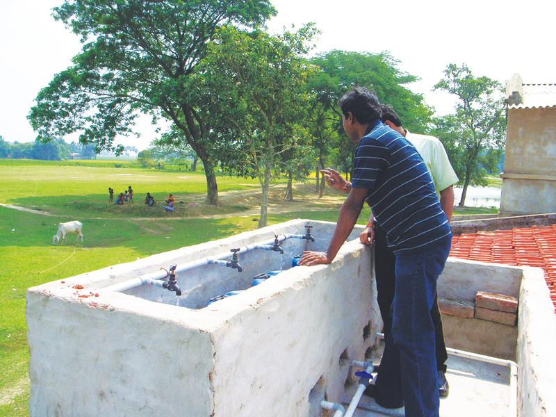 手作りながら立派な浄水設備。