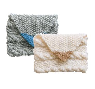 手編みニットポーチ