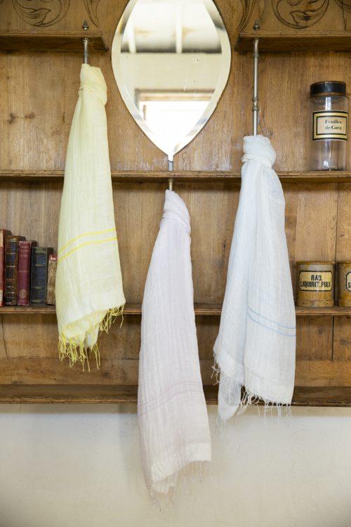 これからの季節にぴったり!淡いシャーベットカラーの涼し気な手織りコットンリネンストール